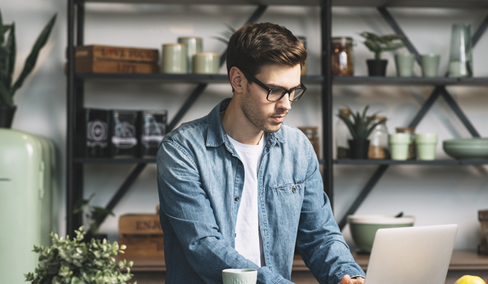 Side Hustle: <br>How to Combine a Full-Time Job with Freelancing?