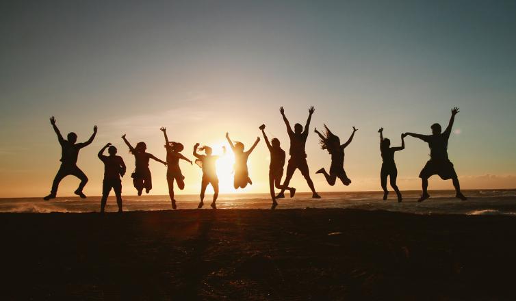 Team Building Fun:</br> 8 Best Activities for Remote Collaborators